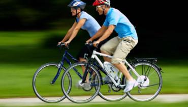 Bild mit 2 Radfahrern