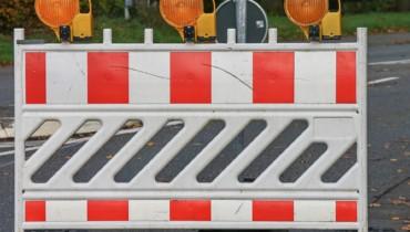 Bild von Absperrbarken bei Straßensperrung