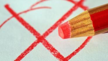 Bild von Stift mit Wahlkreuz