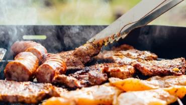 Bild von Wurst und Steak vom Grill