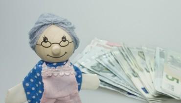 Bild von Rentnerin und Geld
