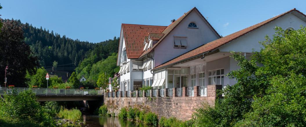 Bild vom Haus des Gastes Landstraße vom Klopfeweg aus